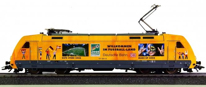 Märklin 39370 – Elektrolok BR 101 -Fußball WM 2006- der DB AG, digital (MM)