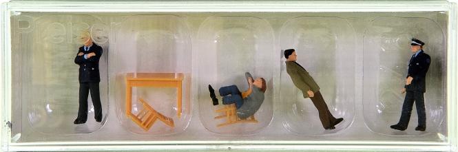 Preiser 10590 – Verhör, 4 Figuren + Zubehör