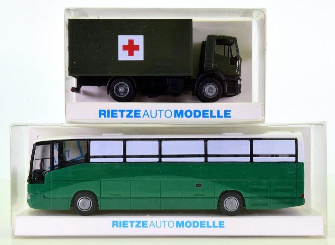 Ritze 60620/62213 - 2 x Auto-Modelle, LKW Iveco Sani und BUS MB 404