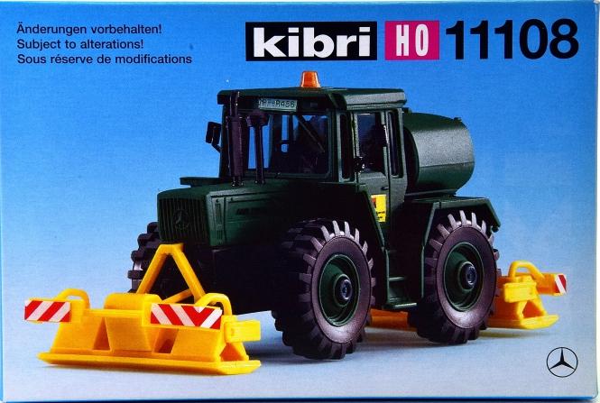 Kibri 11108 – Bausatz MB-Trac mit Plattenverdichter
