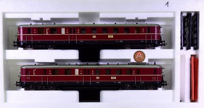 Liliput (Wien) 125 04 – 2-tlg. Dieseltriebzug VT25/VS145 der DB, mit Innenbel.