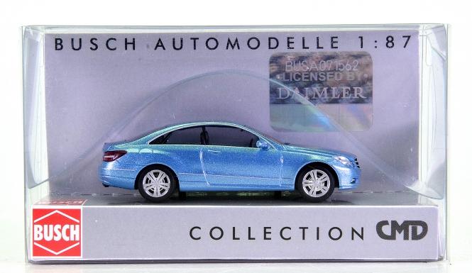 Busch 41655 (H0) - Mercedes-Benz E-Klasse, hellblau, CMD-Collection