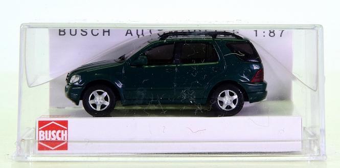 Busch 48570 (1:87, H0) - Mercedes-Benz ML 55 AMG, dunkelgrün