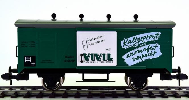 Märklin 5483 (Spur 1) – Gedeckter Güterwagen VIVIL