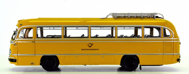 Minichamps 010483 (1:43) – Mercedes-Benz O 321 H -Kraftpostbus- der DBP