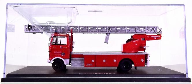 Schuco 03530 (1:43) – Mercedes-Banz LP 813 mit Metz DL 22 Fw Villingen