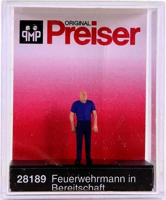 Preiser 28189 (H0) - Feuerwehrmann in Bereitschaf / Fireman on standby