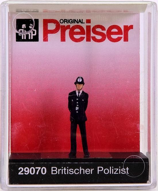 Preiser 29070 (H0) - Britischer Polizist / British policeman