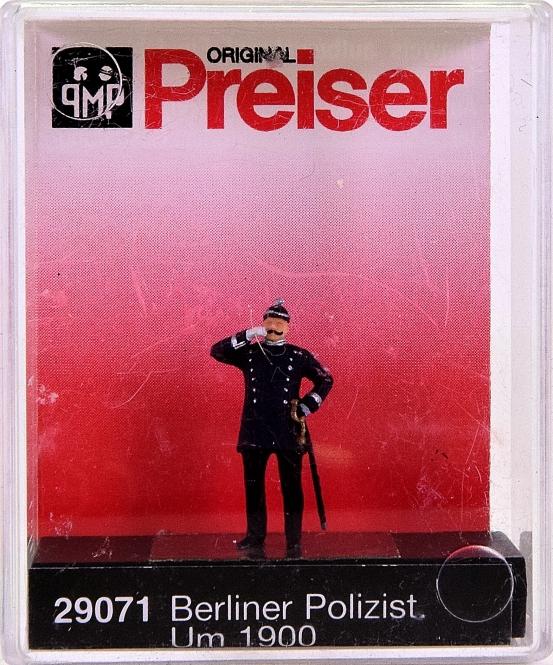 Preiser 29071 (H0) - Berliner Polizist 1900 / Policeman Berlin 1900