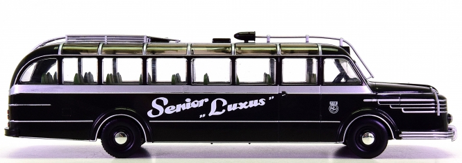 IXO Models (1:43) – Krupp Titan O80 -Senior Luxus- Wien Praterstern