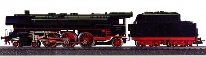 Märklin 3008 (F 800) – Schlepptender-Dampflok BR 01 der DB