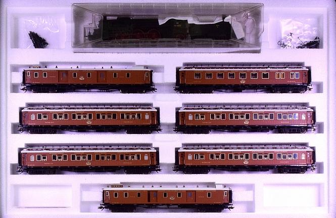Märklin 26922 - Orient Express der CIWL mit badischer IV h, mfx+ & Sound & Innenbel.
