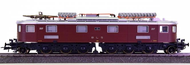 Roco 63769 (AC) – Elektrolokomotive Ae 6/8 der BLS, digital (MM, DCC)