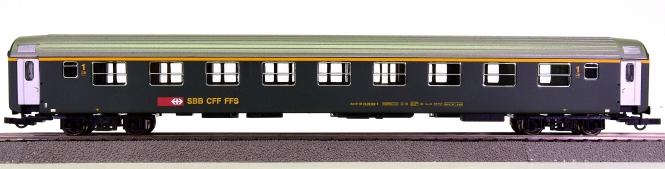 Liliput L388104 – 1. Klasse RIC Schnellzugwagen Am der SBB