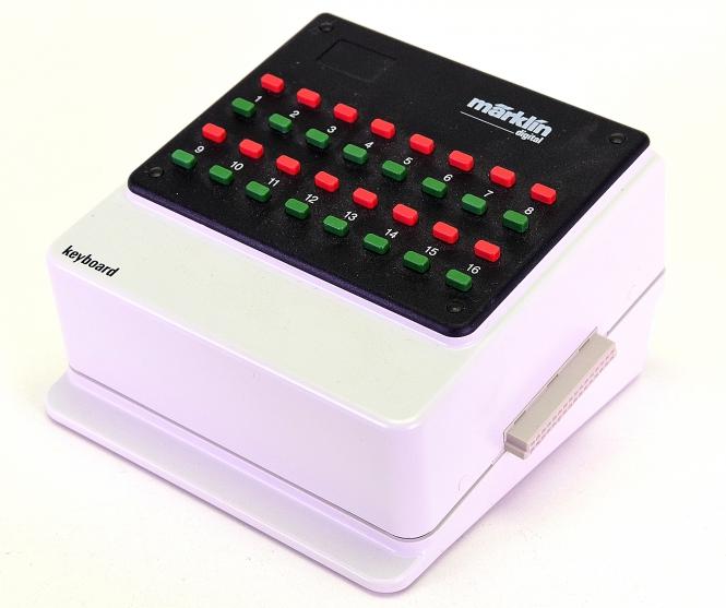 Märklin 6040 – Keyboard, Stellpult für 16 Magnetartikel