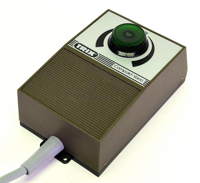 Trix 56-5550-00 - Transformator 230V 6VA Compakt Vario