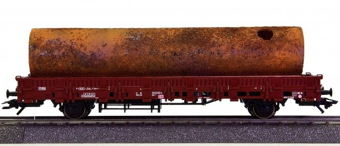 Märklin 46962 – Rungenwagen Kbs 443 der DB AG, beladen mit einem Industrierohr
