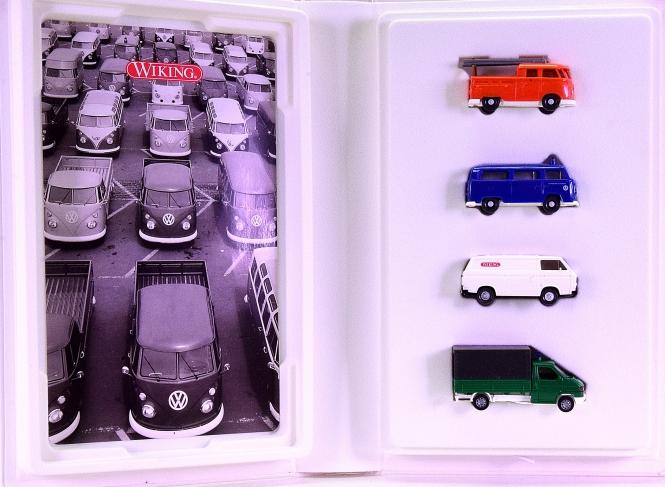 Wiking 990 20 49 (1:87) – 4-teiliges Set -50 Jahre VW Transporter-