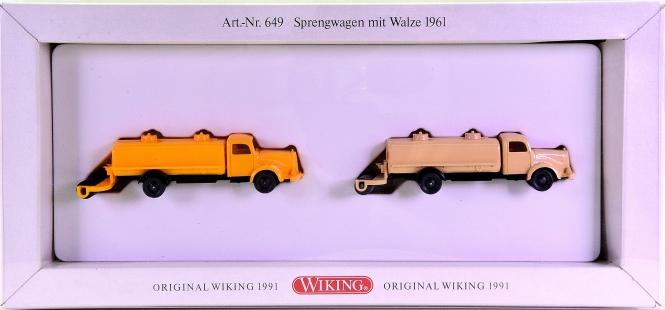 Wiking 649 (1:87) – 2-teiliges Set -Sprengwagen mit Walze 1961-