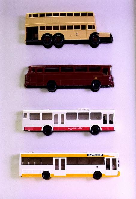 Wiking 900 05 (1:87) – 4-teiliges Set -100 Jahre Motor-Omnibus-