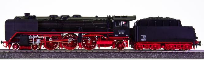 Roco 04119A (AC) – Schlepptender-Dampflok BR 01 der DB