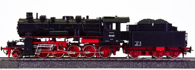 Roco 04112A / 43903 (AC) – Schlepptender-Dampflok BR 58 der DRG