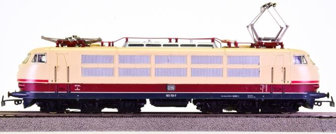 Märklin 3054 – Schnellzug-Elektrolokomotive BR 103 der DB