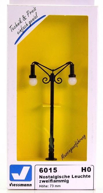 Viessmann 6015 – Nostalgische Leuchte, zweiflammig, LED  warmweiß
