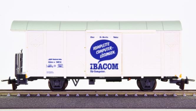Bemo 2282 124 (H0m) – Gedeckter Güterwagen Gbk-v -IBACOM- der RhB