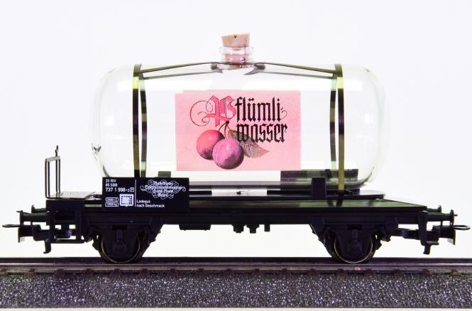 Märklin 4452.002 – Glas-Kesselwagen -Pflümli Wasser-