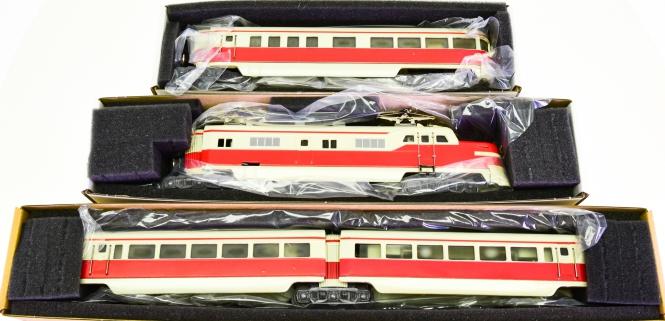 Märklin ST 800 – 4-teiliger Triebzug in beige/rot, der DRG