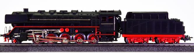 Märklin G 800 – Schlepptender-Dampflok BR 44 der DB
