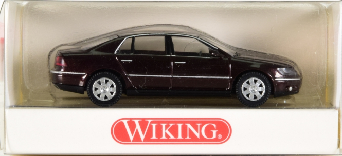 Wiking 0590328 (1:87) – VW Phaeton schwarzrot