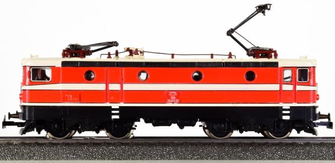 Märklin 3041 – Mehrzweck-Elektrolok BR 1043 der ÖBB, Variante 3 von 1981-82